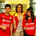 Alcaldesa entrega su apoyo a Atletas que nos representarán en el extranjero